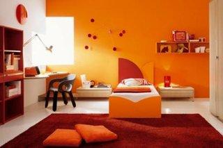 Camera de copil decorata in nuante de portocaliu