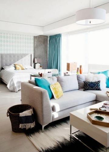 Canapea delimitare spatii dormitor