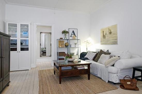 Un apartament modern de doua camere, amenajat in note rustice