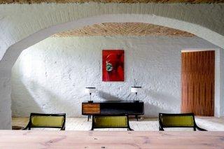 Pereti interiori grosi in forma de arcada