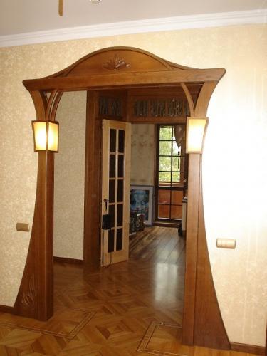 Arcada frumoasa din lemn