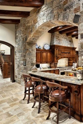 Separare bucatarie prin bar placat cu piatra