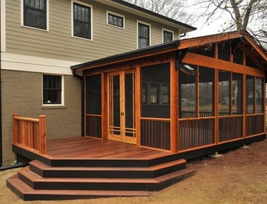 veranda din lemn cu terasa
