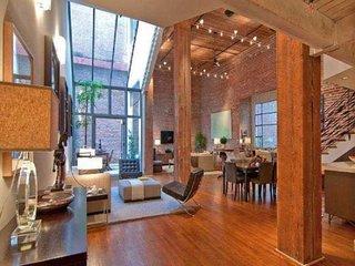 Interior parter casa din lemn