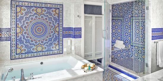 Bai decorate cu mozaic | Secretele unei amenajari interioare moderne