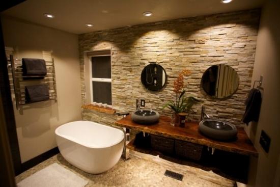 Decor perete baie cu piatra