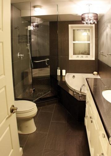 baie mica amenajata cu cabina de dus si cada pe colt modern bathrooms in small spaces 4126