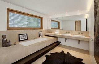 Mobilier minimalist suspendat pentru baie