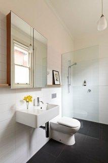 Dulap de baie cu usi din oglinzi