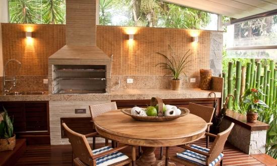 Veranda rustica cu bucatarie de vara