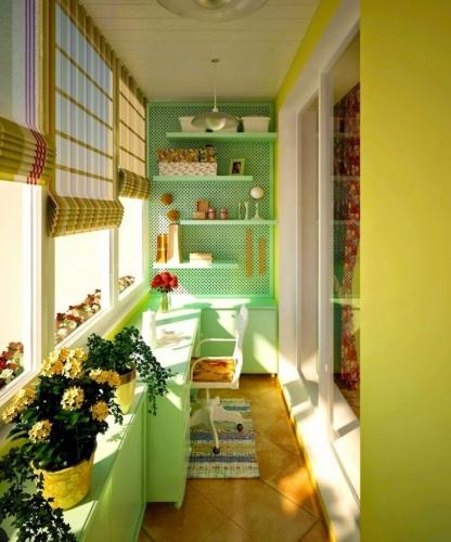 Idee amenajare balcon bloc in nuante de verde