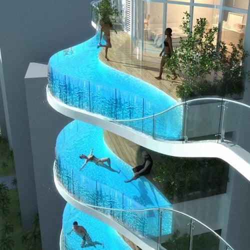 Hotel cu balcoane transformate in piscina