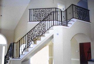 Balustrada de interior confectionata din fier forjat negru