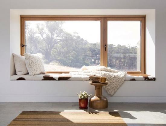 Transformarea pervazului in colt de relaxare: sfaturi pentru optimizarea spatiului