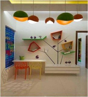 Birou pentru copii pentru camere mici