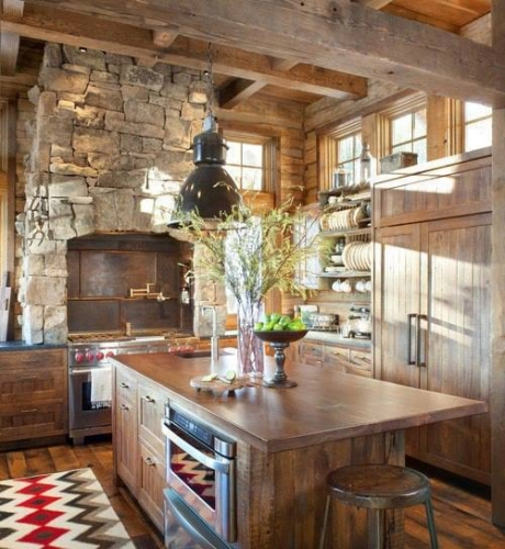 Bucatarie rustica cu piatra si lemn