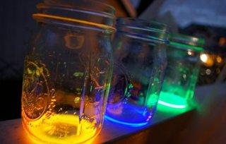 Borcan cu vopsea fosforescenta