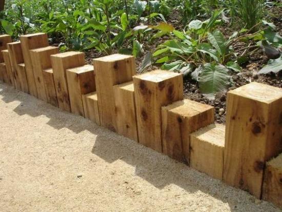Borduri din bucati de patrati de lemn