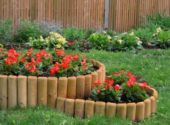 Borduri lemn rond de flori