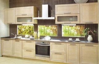 Design clasic bucatarie cu mobila in nuante natur