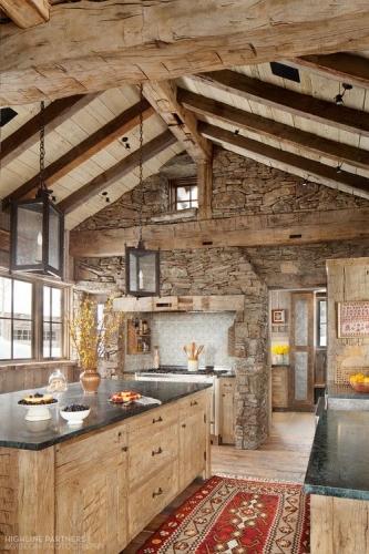 Combinatie de piatra si lemn design rustic