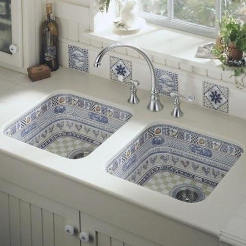 Chiuveta de bucatarie placata cu mozaic pe interior