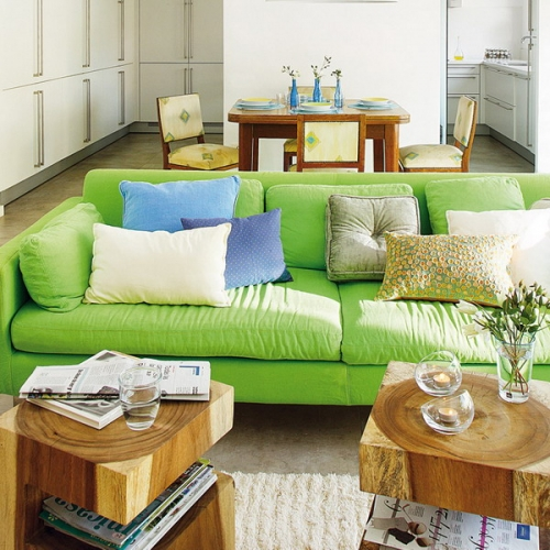 Living open space cu canapea verde