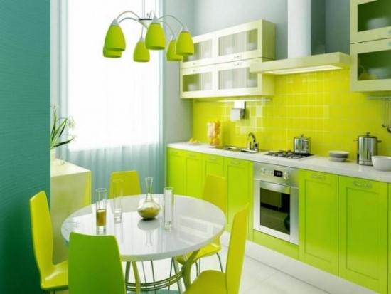 Culoare verde neon pentru bucatarie vesela