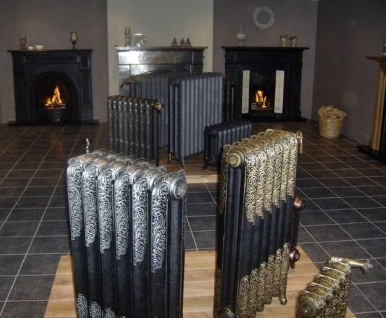Calorifere decorative  imitatie fonta negru cu auriu