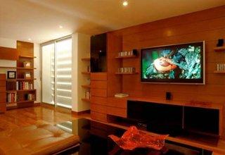 Living modern cu elemente de decor spaniole