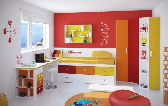 Dormitor pentru fetite cu perete rosu de accent