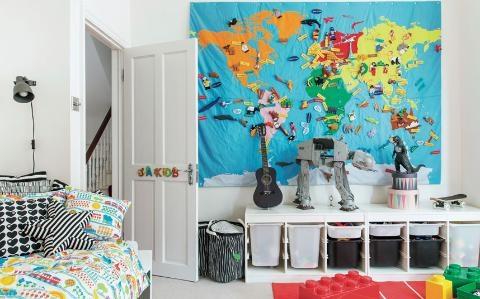 Pernute decorative colorate si cuvertura cu imprimeuri