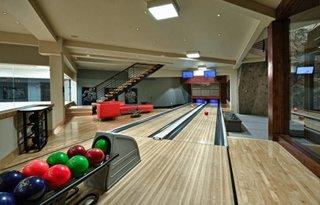 Pista de bowling amanajata la demisol