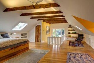 Dormitor superb amenajat la mansarda