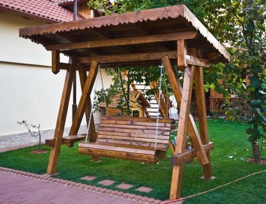 Balansoar rustic din lemn