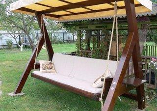 Canapea balansoar cu acoperis din panza