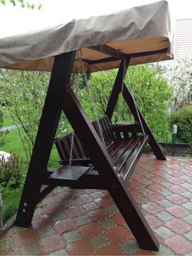 Leagan de gradina din lemn cu acoperis