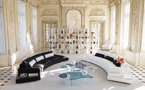 Canapea alba si canapea neagra in living decorat modern