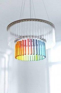 Eprubete colorate si transparente folosite pentru iluminat