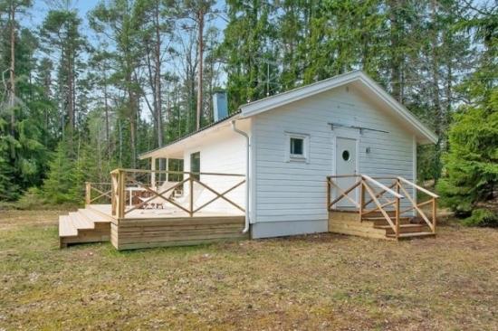 Casa de vacanta cu veranda din lemn