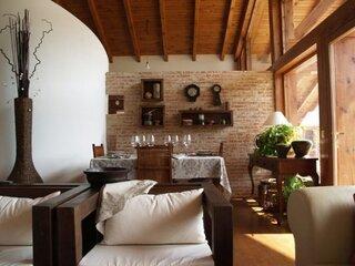Interior rustic pe pereti din caramida