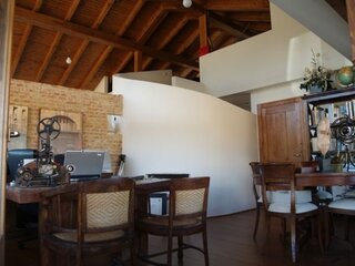 Zona de birou casa de caramida lemn si piatra