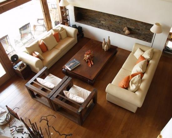 living mare rustic cu doua canapele