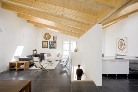 bucataria si livingul de la etaj