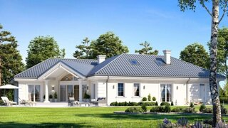 Vedere laterala casa mare cu mansarda