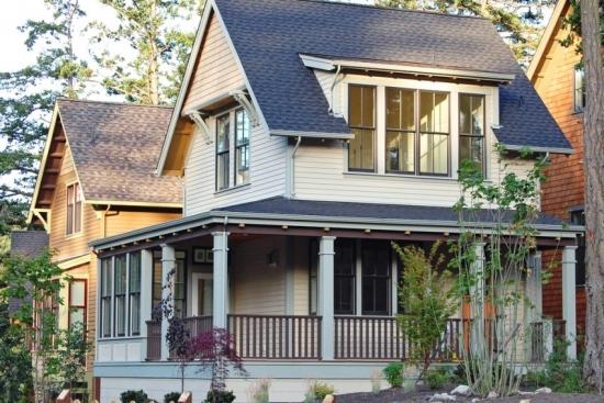 Casa cu mansarda mare