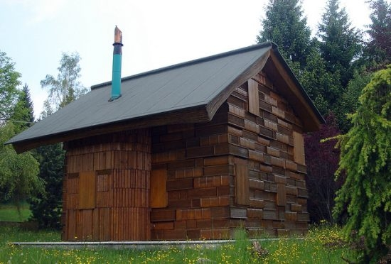 Fatada placata cu lemn Casa dei Libri