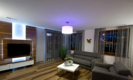 Perdele franjuri culoare gri decor living modern