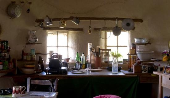 Interior bucatarie casa ecologica