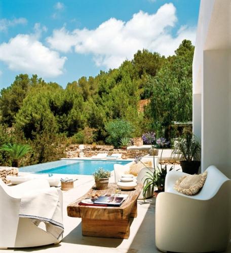 Casa in stil mediteranean cu piscina si vedere de vis
